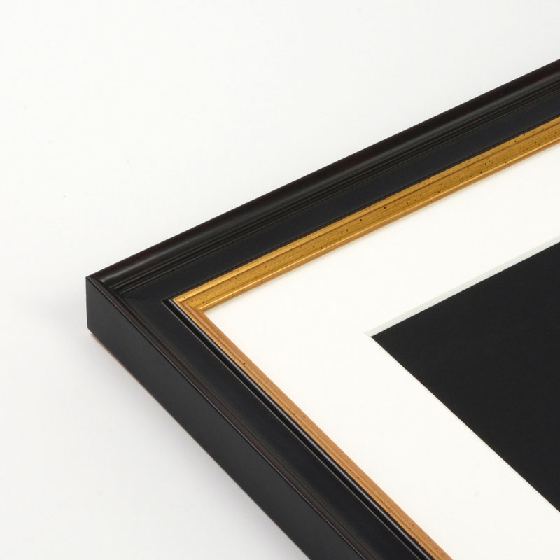 Choose the perfect frame color - Level Frames