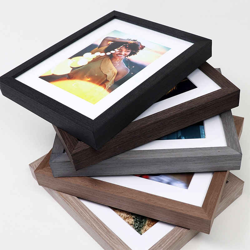 Tabletop picture frames - Level Frames
