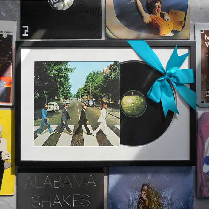 5 Romantic Ideas for Custom Framed Anniversary Gifts